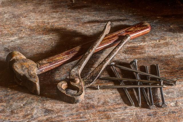 Werkzeug entrosten – dem alten Werkzeug neuen Glanz verleihen